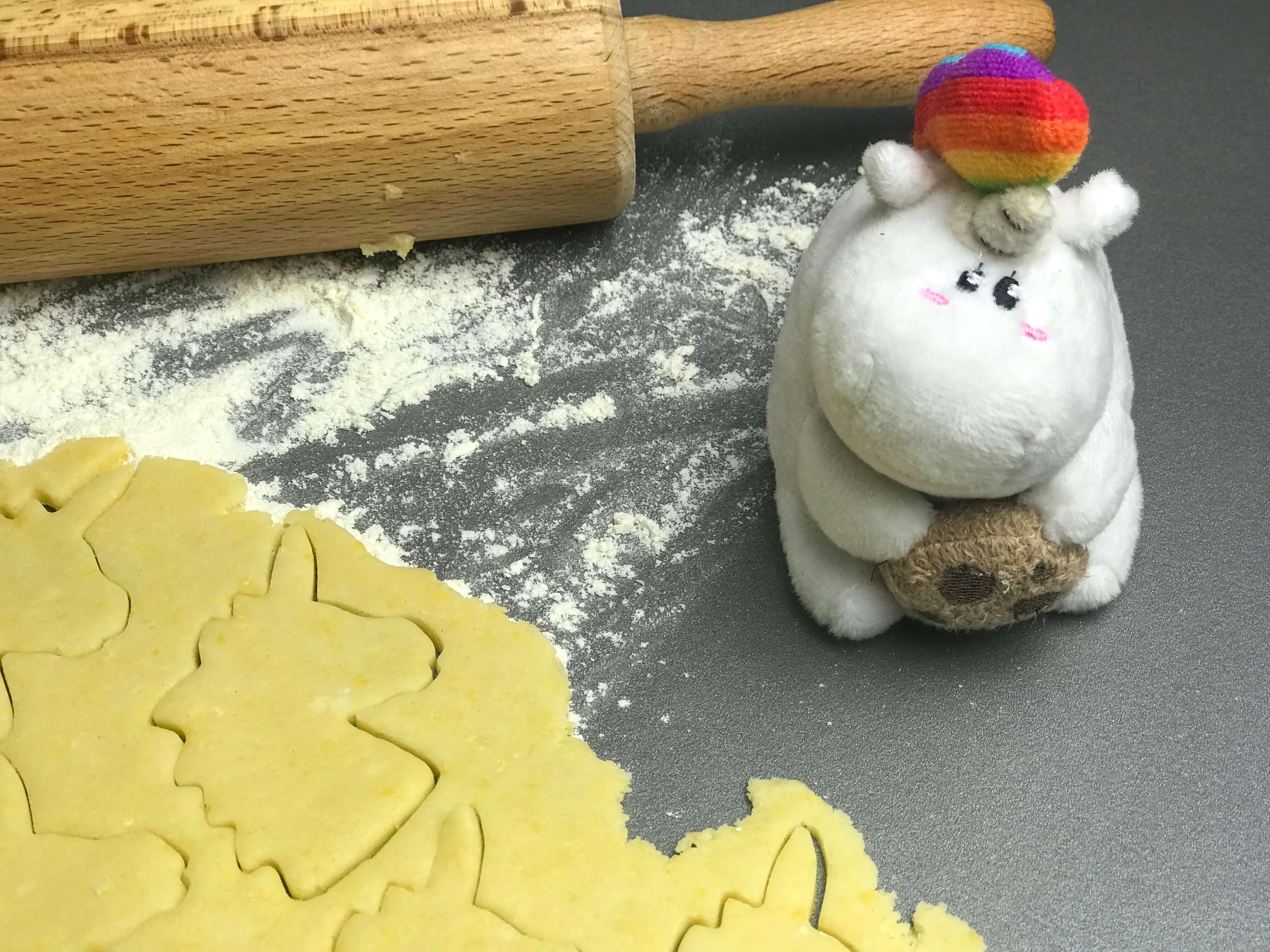 einhorn beim kekse backen