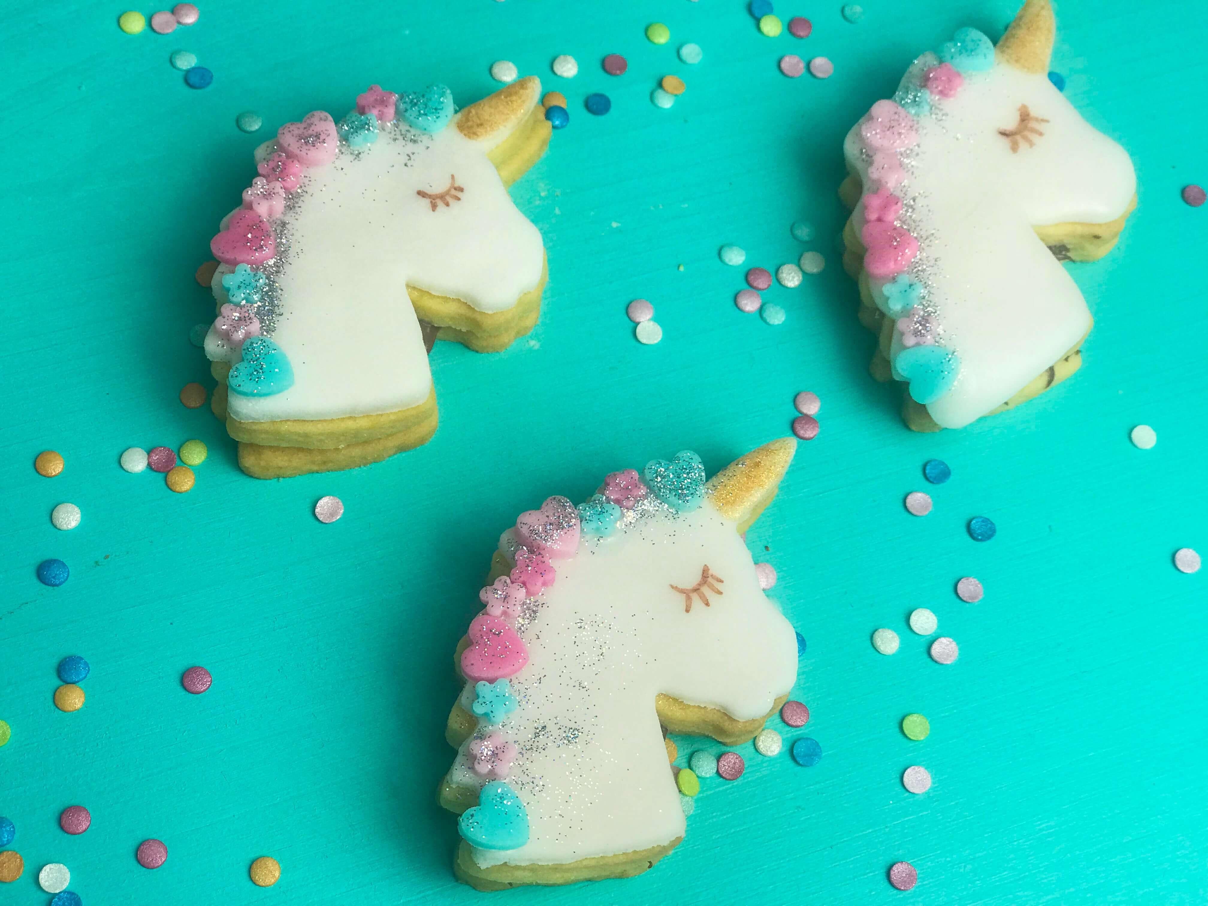 einfache einhorn kekse – evelyn im tortenland